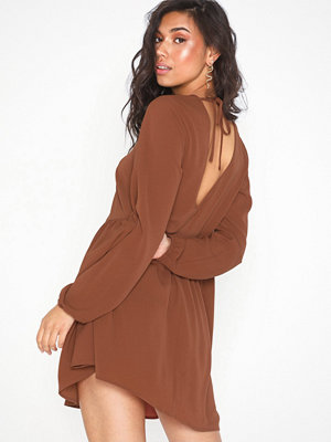 NLY Trend Deep Back Shift Dress