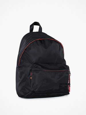 Eastpak svart ryggsäck Padded Pak'R x Alpha Industries