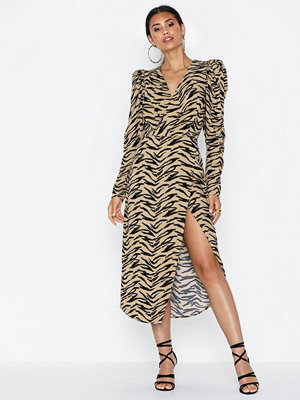 NLY Trend Puff Sleeve Slit Dress