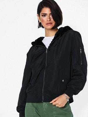Jacqueline de Yong svart bomberjacka Jdykacy Reversible Bomber Jacket Ot