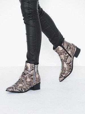 Duffy Zip Boot
