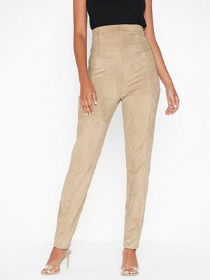 NLY One omönstrade byxor Shape High Suede Pant