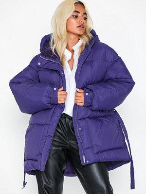 Dunjackor - NLY Trend Belted Puffer Jacket