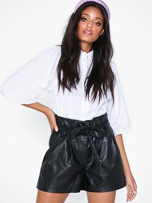 Shorts & kortbyxor - Only Onlnadia Faux Leather Papebag Short