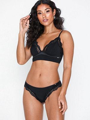 Dorina Corinne Brazilian