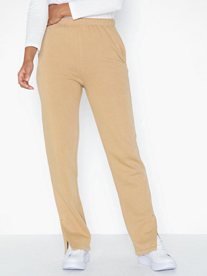 NLY Trend beige byxor Straight Slit Joggers