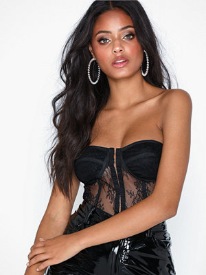 Missguided Lace Bandeau Corset