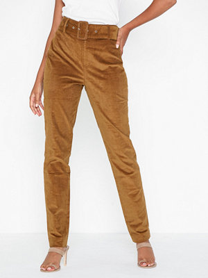 NLY Trend orange byxor Slim Belted Cord Pants