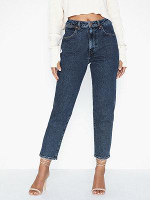Jeans - Wrangler Mom Jeans Noise