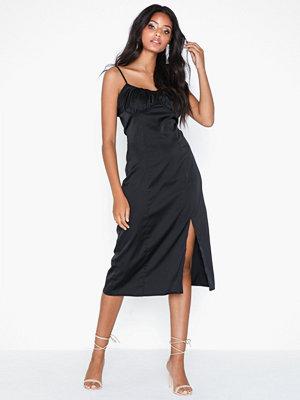 Missguided Satin Ruched Midi Dress