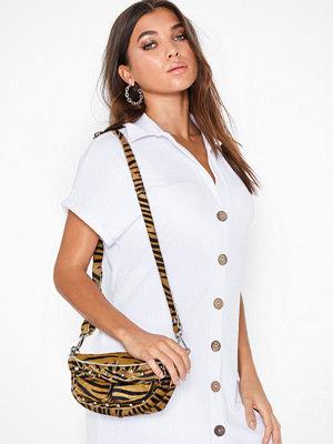 Unlimit mönstrad axelväska Shoulder Bag Ellery Tiger