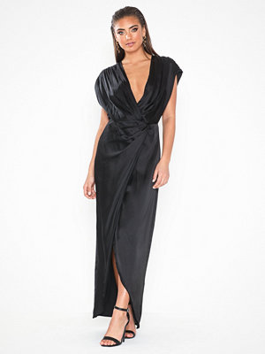 NLY Eve Twisted Satin Gown