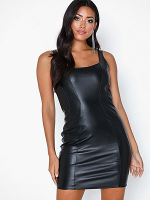 NLY One Shaped Leather Look Dress