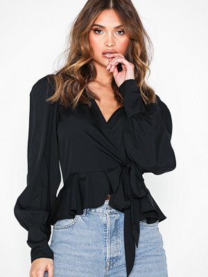 NLY Trend Volume Wrap Blouse