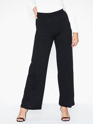 Pieces svarta byxor Pcmolly Pants