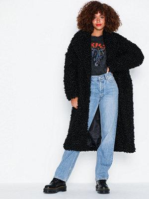 Glamorous Black Fur Coat