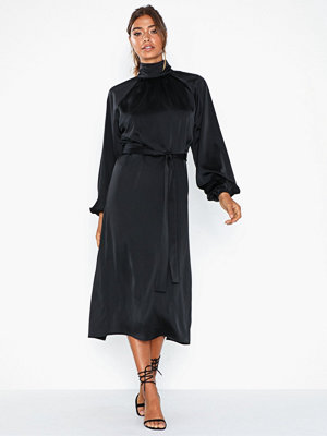 NLY Eve Satin Tiebelt Dress