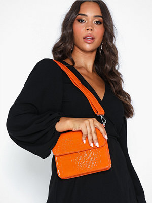 hvisk orange axelväska Cayman Shiny Strap Bag
