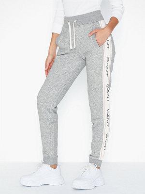 Gant ljusgrå byxor med tryck D1. Archive Sweat Pants