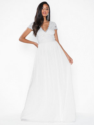 NLY Eve Lace Upper Gown