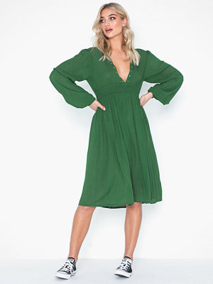 Glamorous Long Sleeve Drape Dress