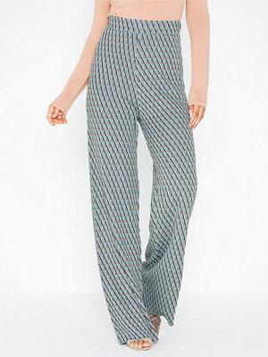 NLY Trend ljusgrå mönstrade byxor Knitted Jacquard Pants