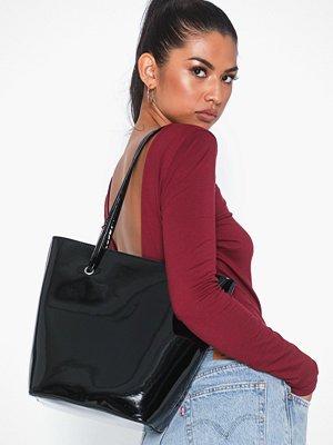 Handväskor - NLY Accessories Shine On Shopper Bag
