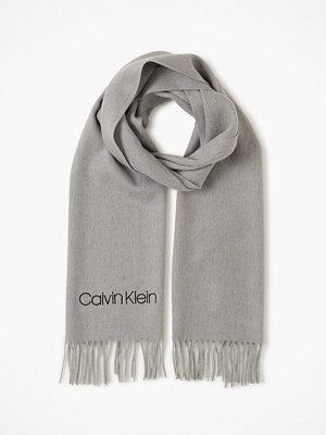 Calvin Klein Classic Wool Scarf W Grå