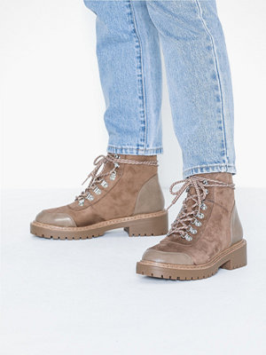 Only ONLBOLD LACE UP WINTER BOOTIE