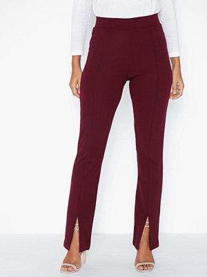 NLY Trend vinröda byxor Front Slit Pants