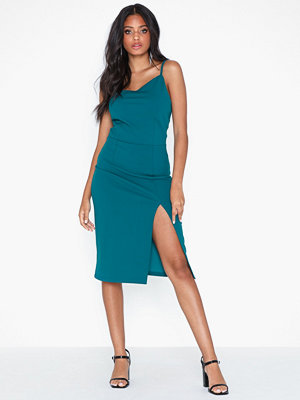 NLY Trend Clean Cut Dress