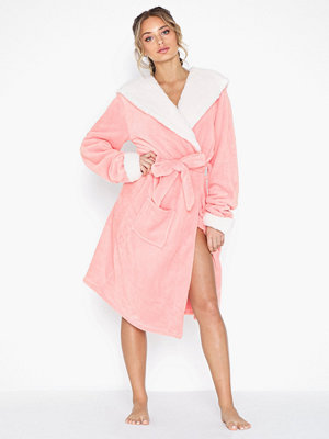 Chelsea Peers Fluffy Pink Dressing Gown