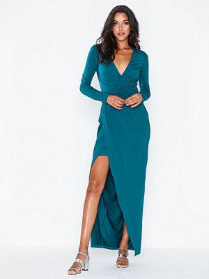 Festklänningar - NLY Eve Drapy Wrap LS Gown