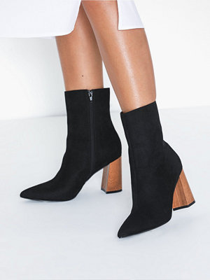 NLY Shoes Pointy Wood Heel Boot