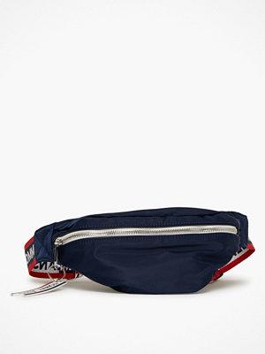 Tommy Jeans marinblå axelväska Tjw Logo Tape Bumbag Nylo