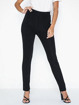 NLY Trend svarta byxor Slim Tailored Pants