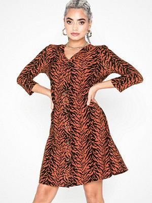 Noisy May Nmsally 3/4 Sleeve Short Dress X4