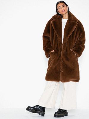 Fuskpälsjackor - Svea Jackie Coat
