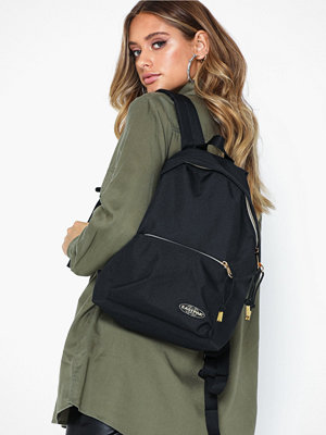Eastpak svart ryggsäck Orbit Sleek'r