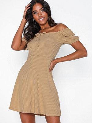 NLY Trend Off Shoulder Rib Dress