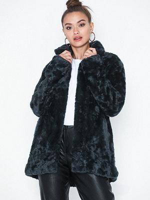 Fuskpälsjackor - Tiger of Sweden Jeans Minimal Coat
