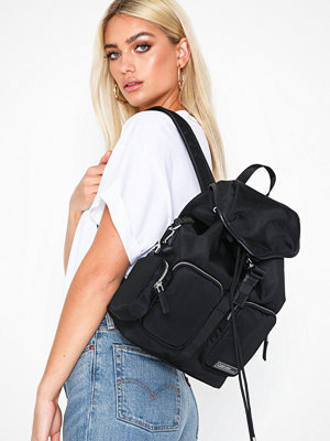 Calvin Klein svart ryggsäck Primary Backpack