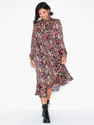 Glamorous Long Sleeve Paisley Dress