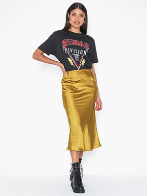 Glamorous Satin Skirt