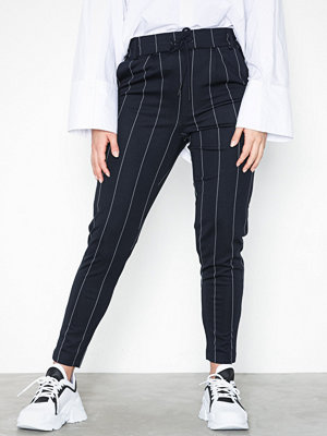 Only svarta randiga byxor onlPOPTRASH Tempo Stripe Pant Pnt N