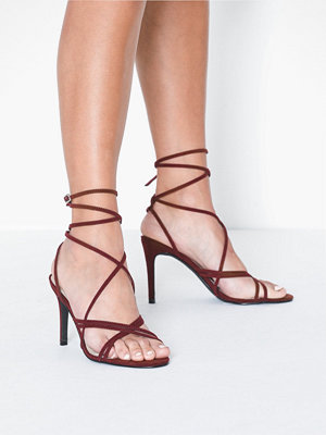NLY Shoes Crossed Multi Strap Heel