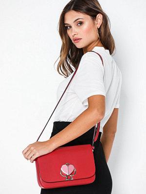 kate spade new york röd axelväska Nicola Twistlock Medium Flap Shoulder