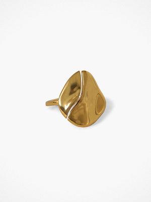 Cornelia Webb Molded Organic Ring