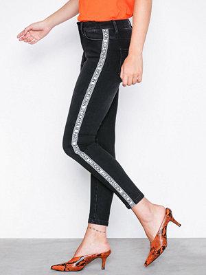 Vero Moda Vmseven Mr Slim Text Ankle Jeans