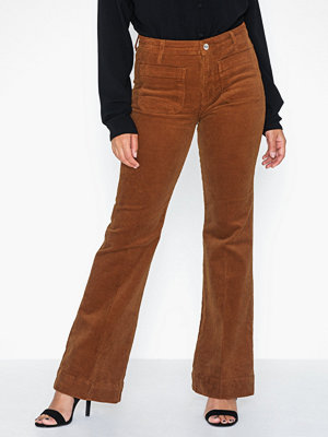 Wrangler bruna byxor Flare Tobacco Brown
